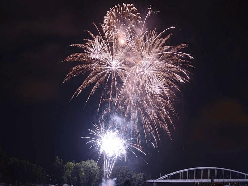 Pyro Maxx Show Series  /Tűzijátékok nagyobb városi vagy tömegrendezvényekre/