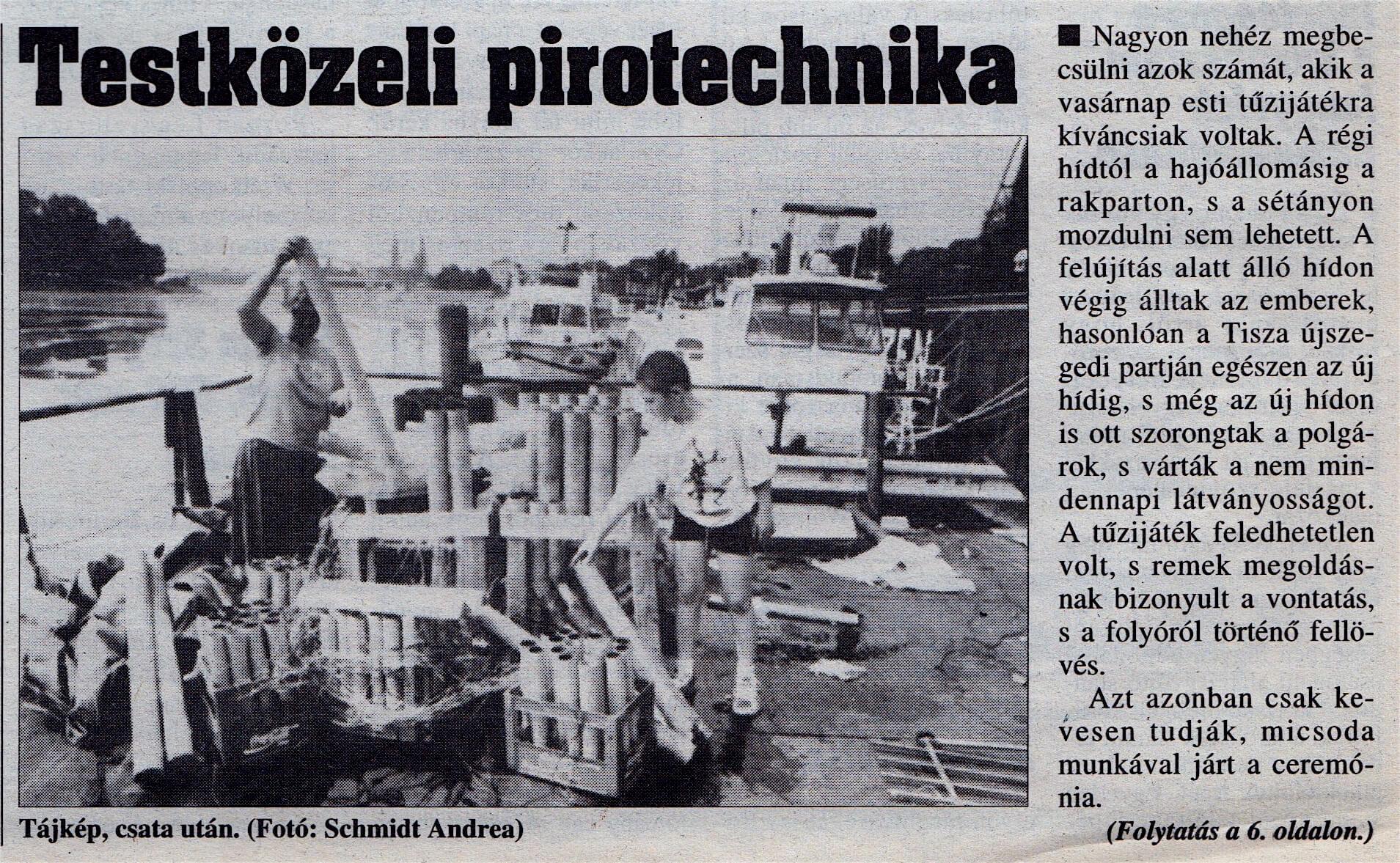 A képen a Pyro Maxx Kft. társtulajdonosa Hódi Julianna (balról) és a jelenlegu Ügyvezető Igazgató Bácskai Dániel (jobbról) az augusztus 20-i tűzijáték után pakolják öszze a használt eszközöket.